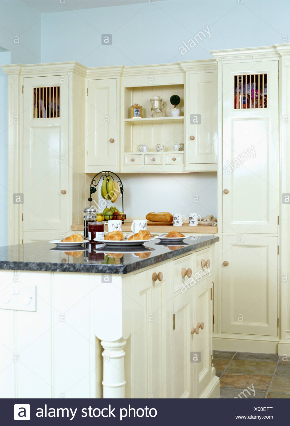 Kitchen Island Unit Neutral Neutrals Stock Photos & Kitchen Island ...