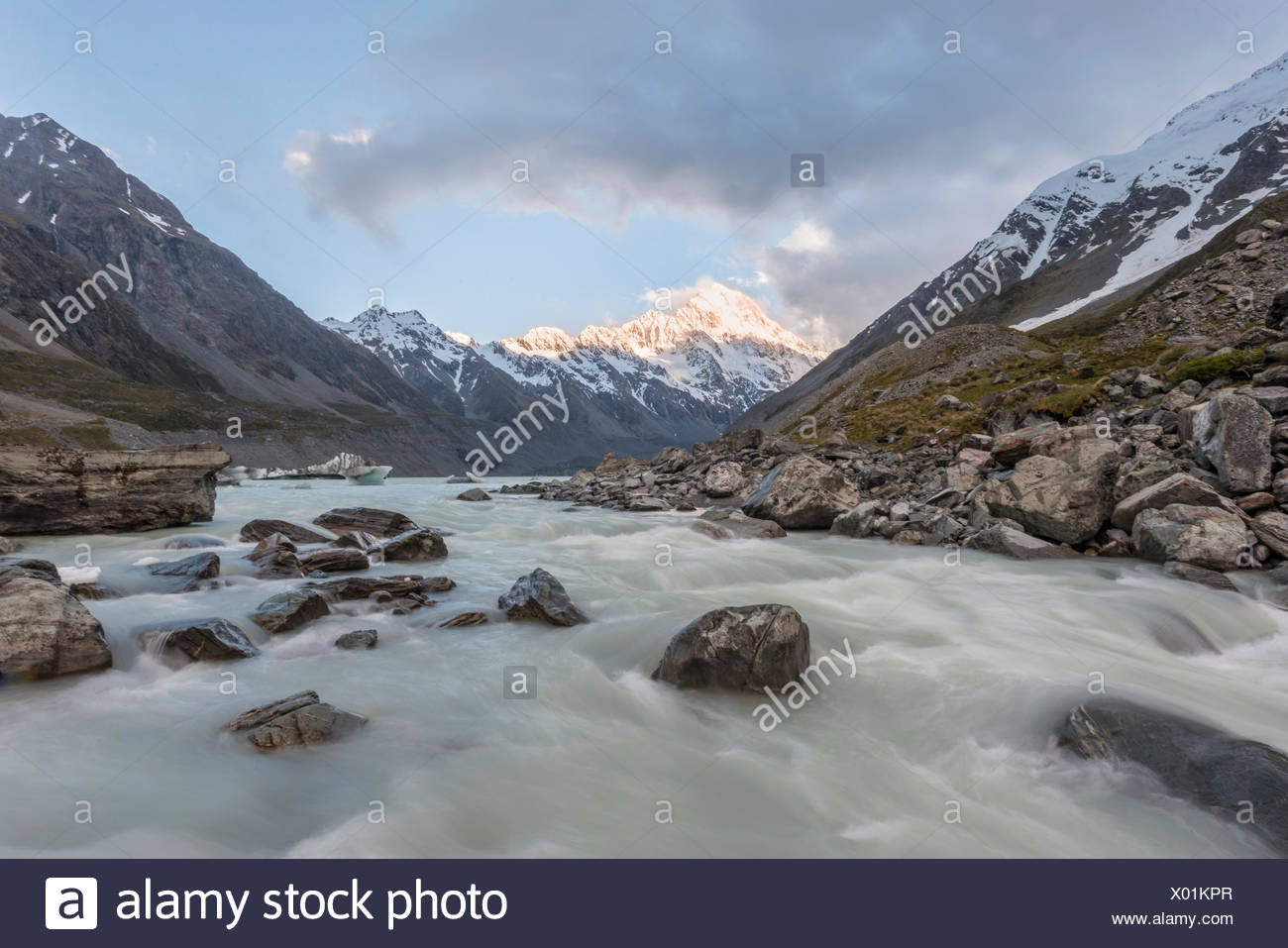 Hooker River, Hooker Valley, Rear Mount Cook, Mount Cook National Park, Southern Alps, Canterbury Region, Southland, New Zealand Stock Photo