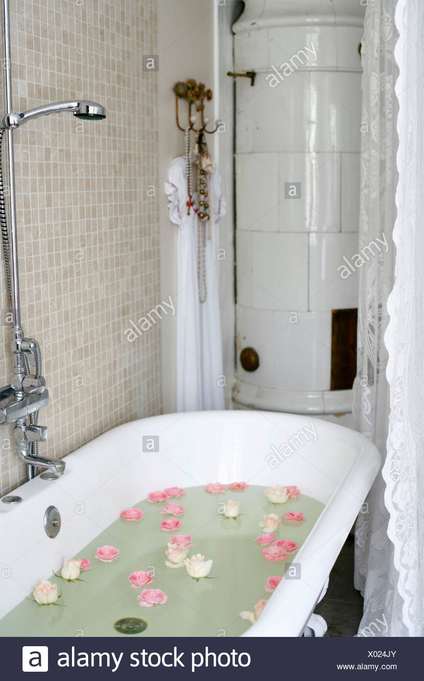 Romantic Bathroom Stock Photos & Romantic Bathroom Stock Images - Alamy