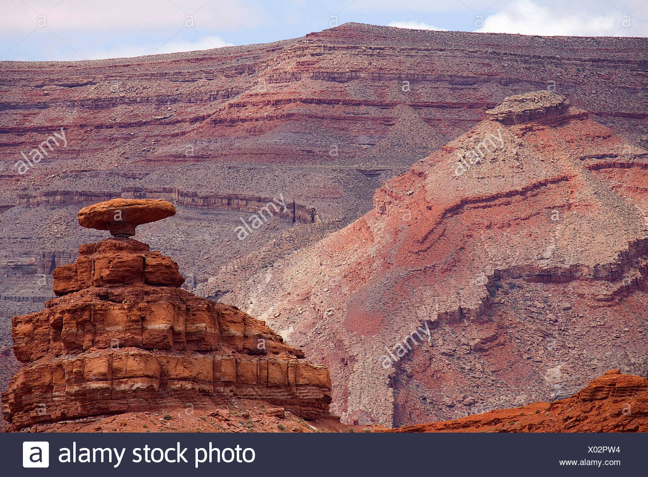 The rock formation that resembles a Mexican hat at Mexican Hat, Utah - Stock Image