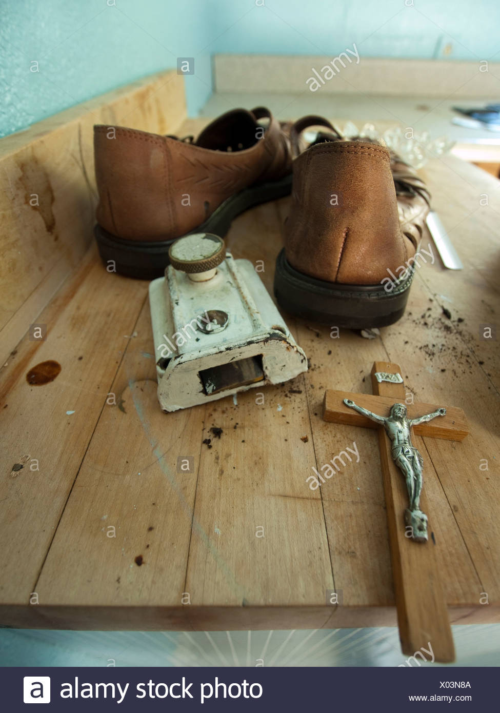 Personal property left behind by the former owners in a foreclosed home in Richmond, California, United States - Stock Image