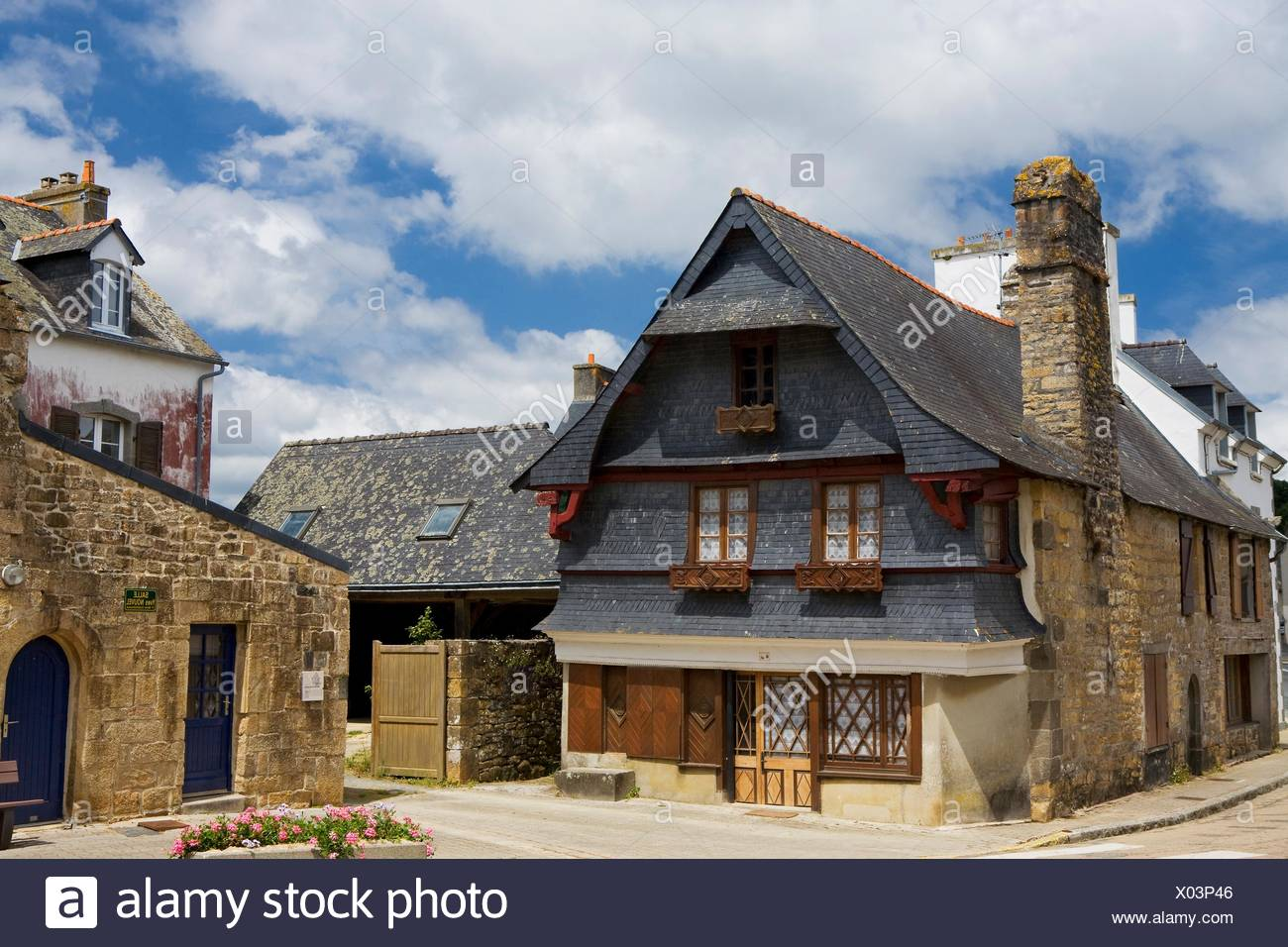 16th Century French Home - old-merchants-house-in-le-faou-around-16th-and-17th-century-finistre-department-brittany-region-france-X03P46_Download 16th Century French Home - old-merchants-house-in-le-faou-around-16th-and-17th-century-finistre-department-brittany-region-france-X03P46  Picture_92728.jpg