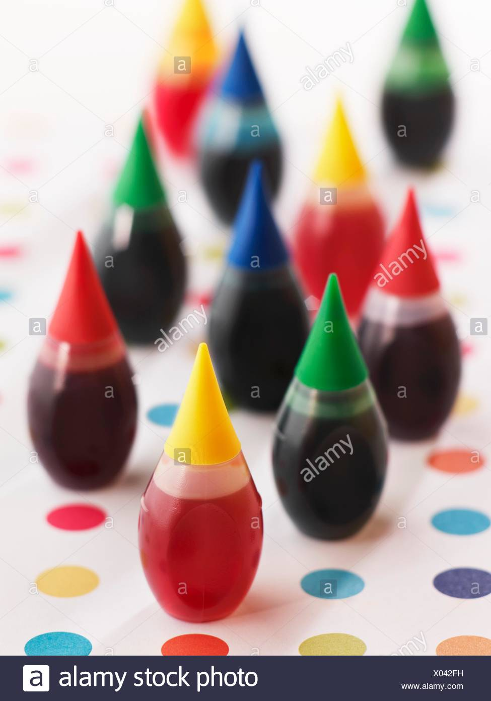 Food Coloring Bottle Stock Photos & Food Coloring Bottle Stock ...