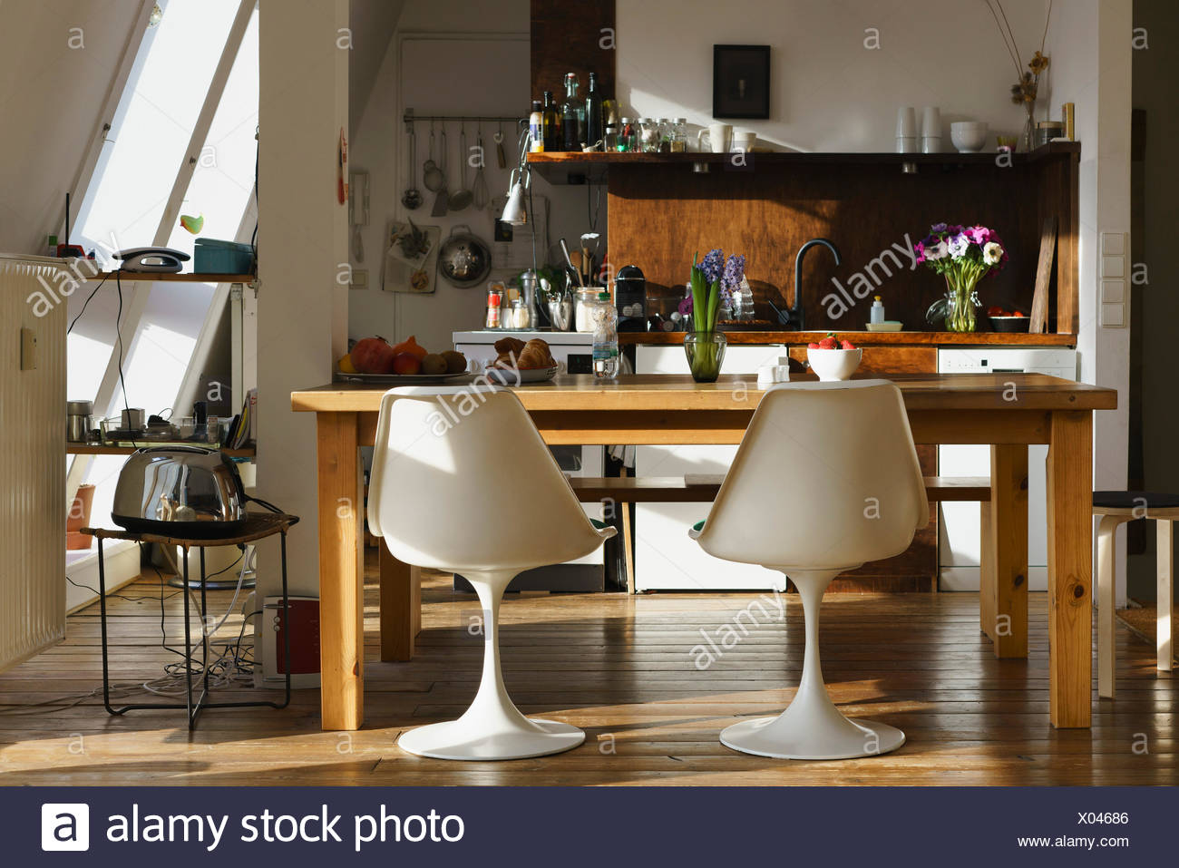 At Home Kitchen Chairs.Chairs And Table In Modern Kitchen At Home Stock Photo 275458630