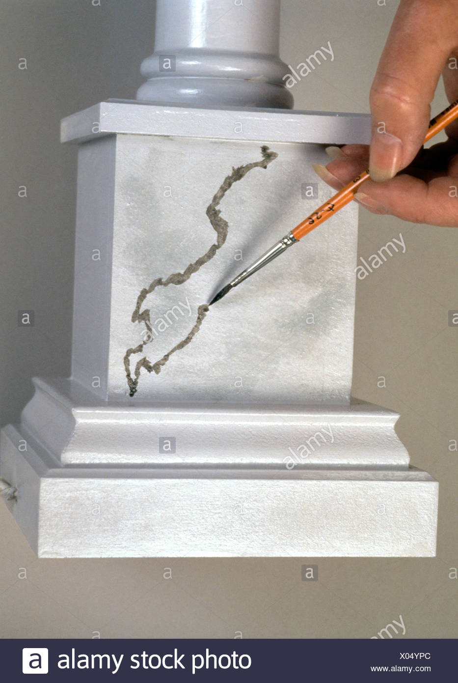 FORMock marble Reproducing a marble effect need not be as tricky as it appears Step by step grey marble paint effect Mix - Stock Image