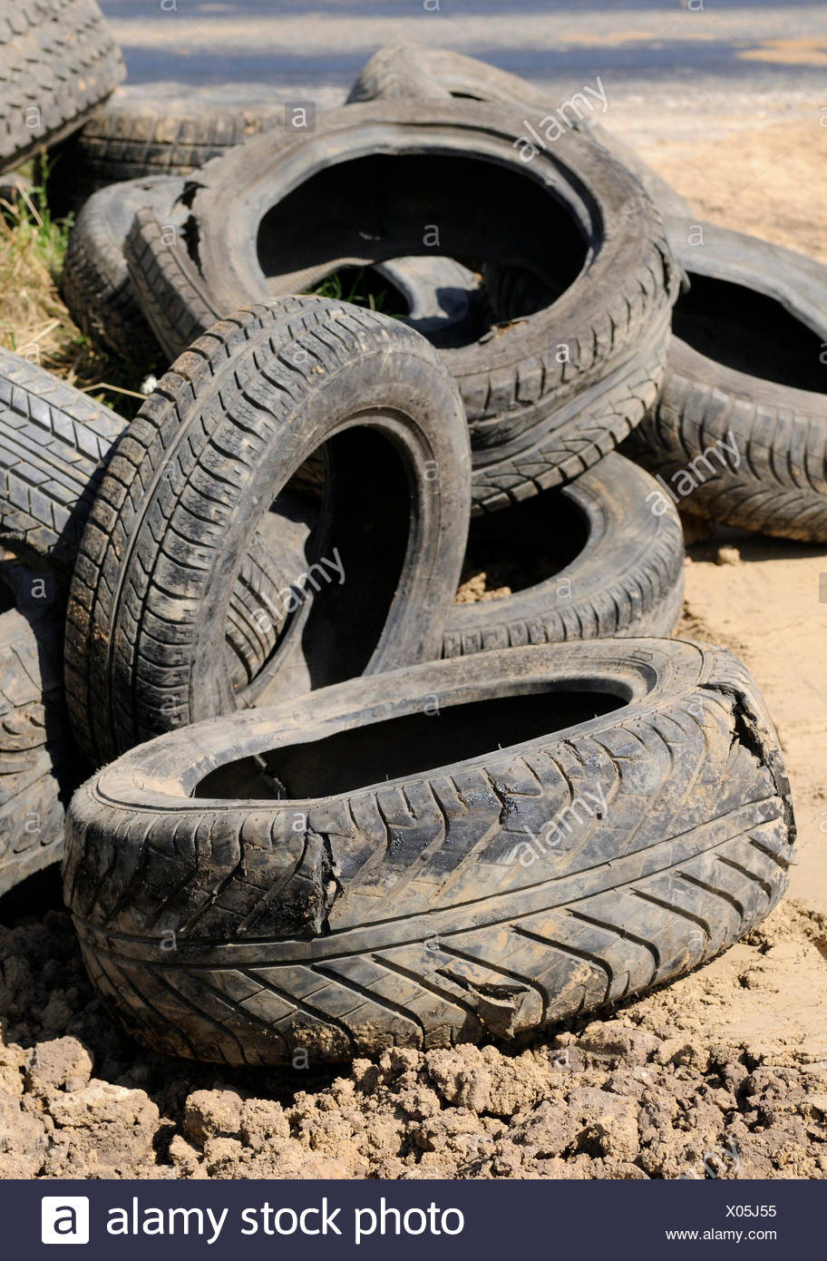 environment enviroment disposal mull refuse car tire tyre tire tyres old Stock Photo