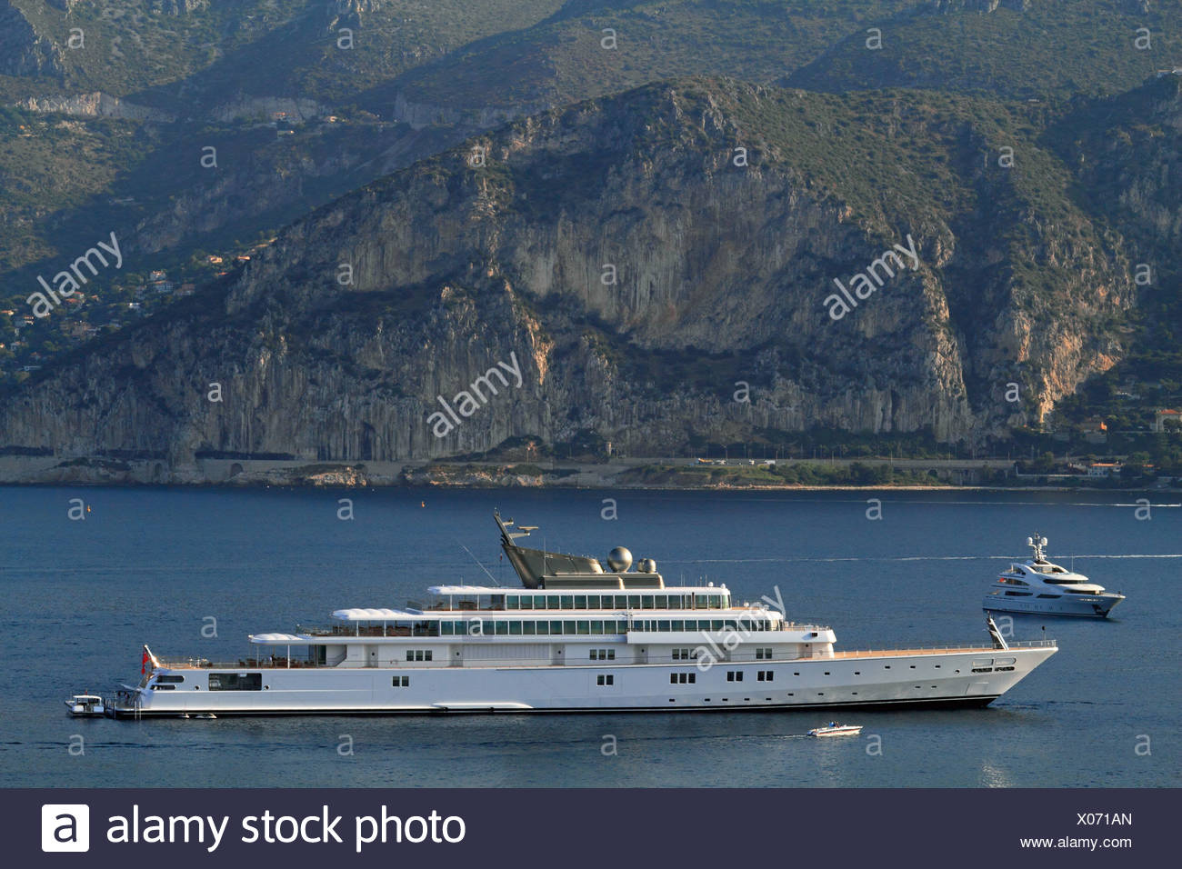 Motor yacht 'Rising Sun', 138m, built by Luersson Yachts in 2004, owned by David Geffen, previously owned by Larry Ellison - Stock Image