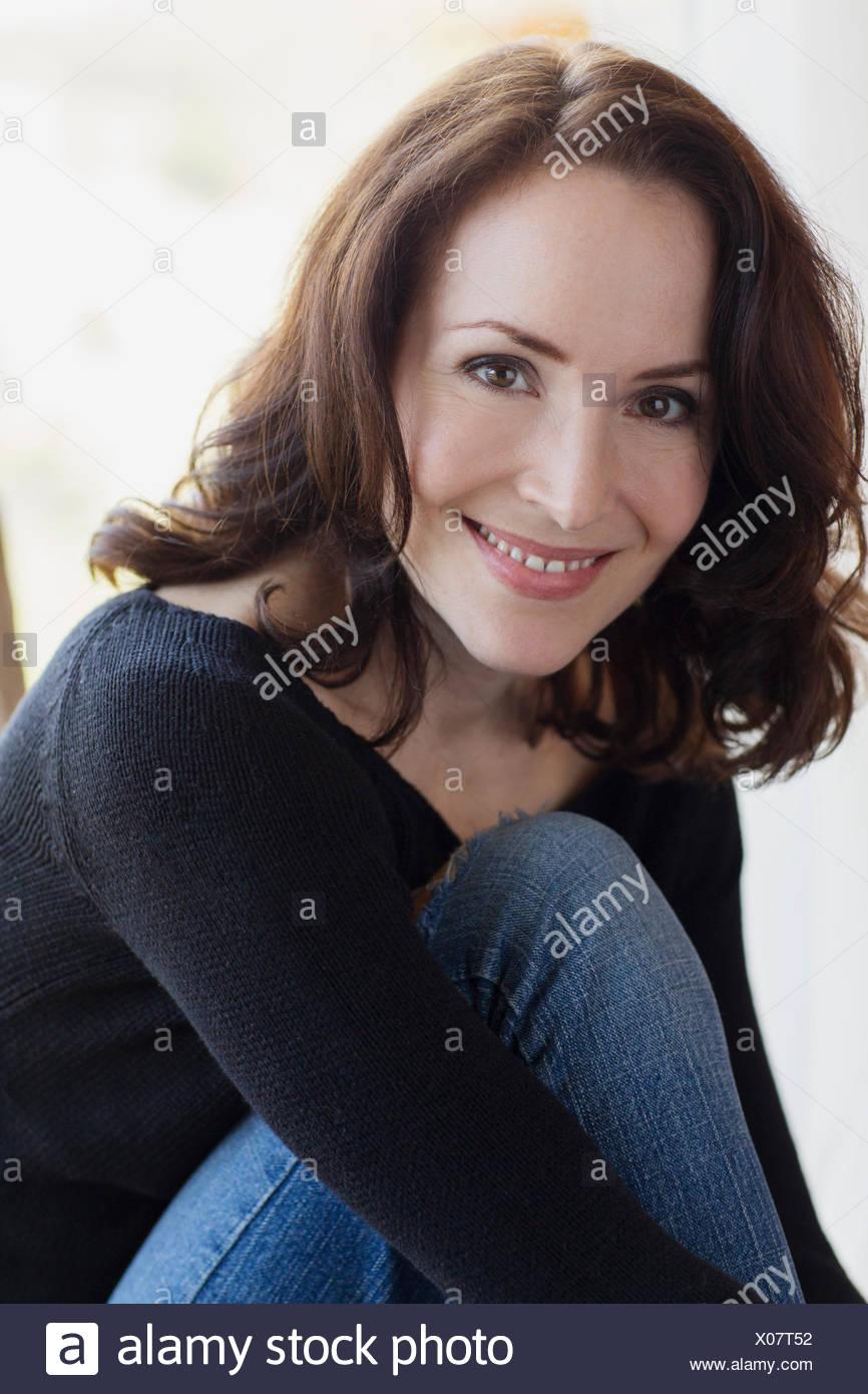 Mature brunette pis