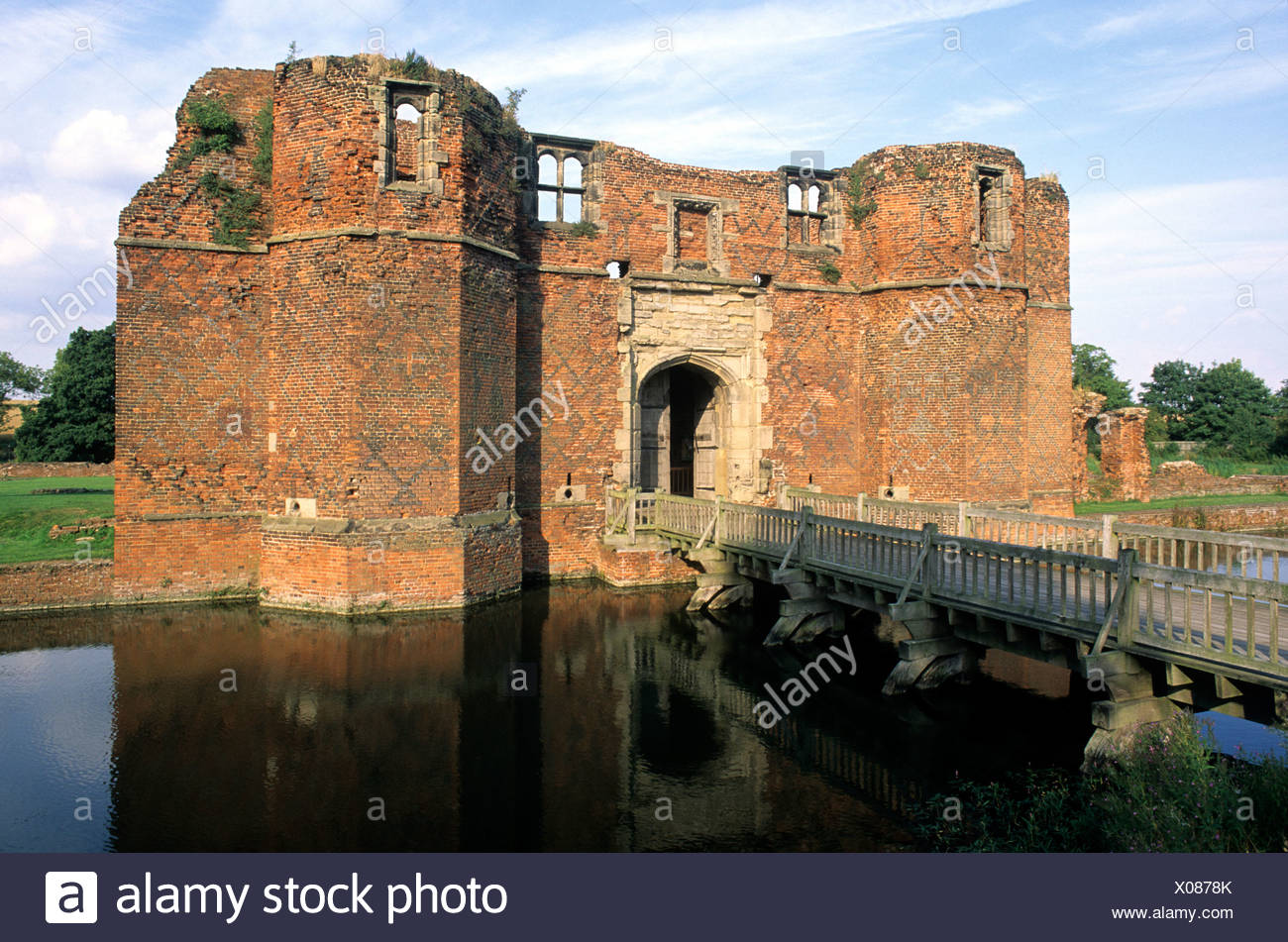 Kirby Muxloe Castle, Leicestershire, gatehouse English medieval castles moat moats England UK  gatehouses bridge - Stock Image