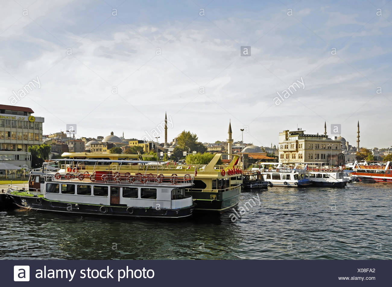 The Eminönü with its ferry terminals - Stock Image