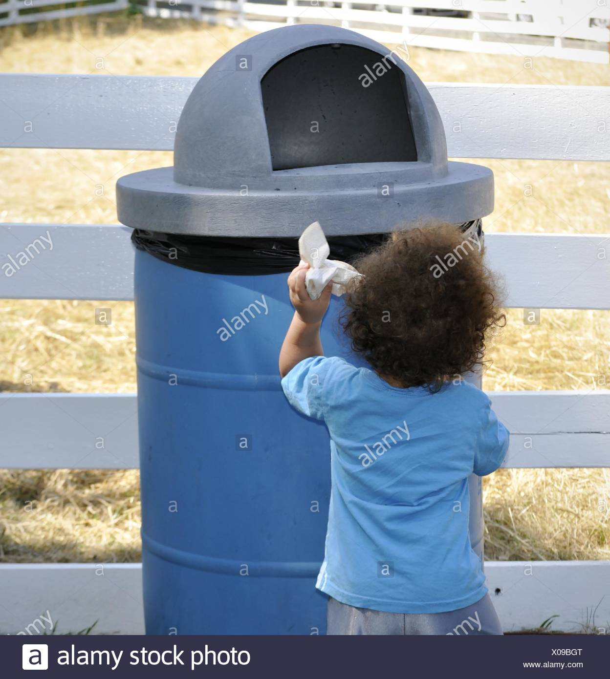 Trash Can Child Stock Photos & Trash Can Child Stock Images - Alamy