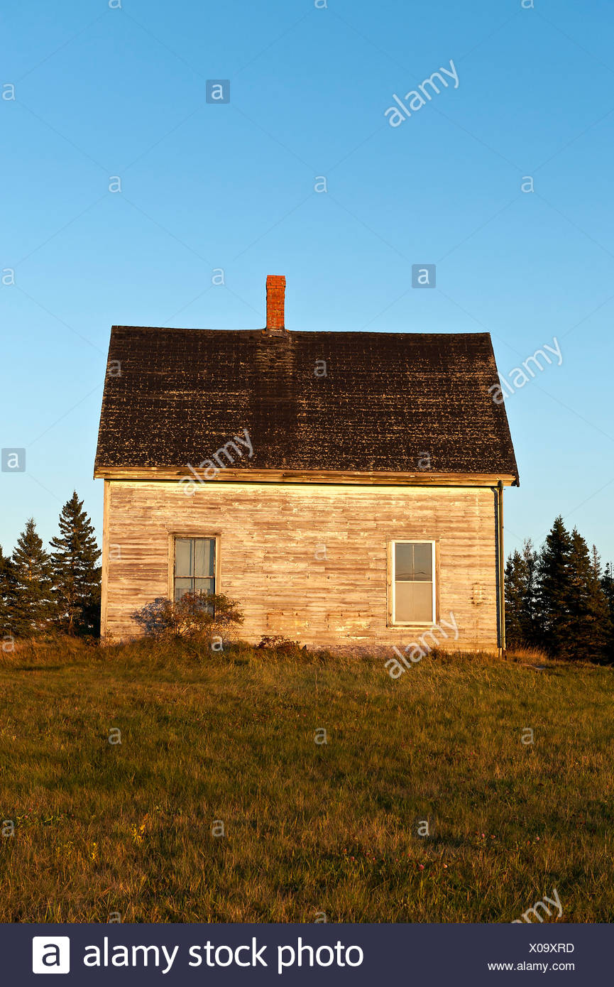 Abandoned house in disrepair, Maine, USA - Stock Image