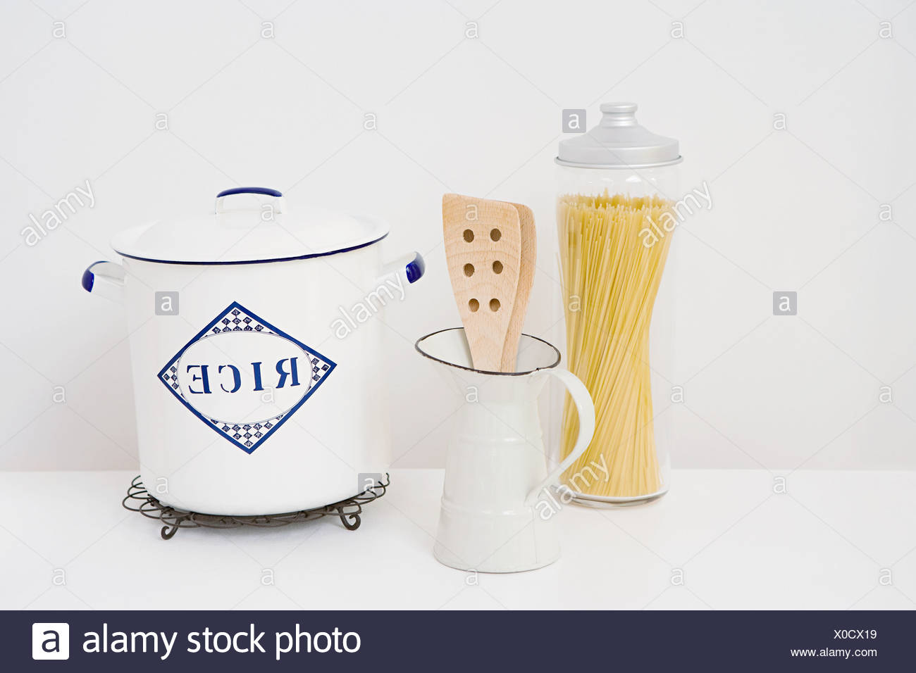 Container of spaghetti and rice - Stock Image
