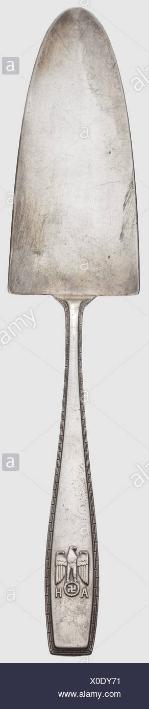 Adolf Hitler - a cake shovel from his personal table silver, Silver, the handle with a surrounding meander border and a national eagle in relief above the monogram 'AH'. Hallmark '800' with a crescent moon and crown. Length 26.5 cm, weight 97 g. Very rare, historic, historical, 1930s, 1930s, 20th century, NS, National Socialism, Nazism, Third Reich, German Reich, Germany, German, National Socialist, Nazi, Nazi period, fascism, object, objects, stills, clipping, clippings, cut out, cut-out, cut-outs, fine arts, art, art object, art objects, artful, precious, col, Additional-Rights-Clearences-NA - Stock Image