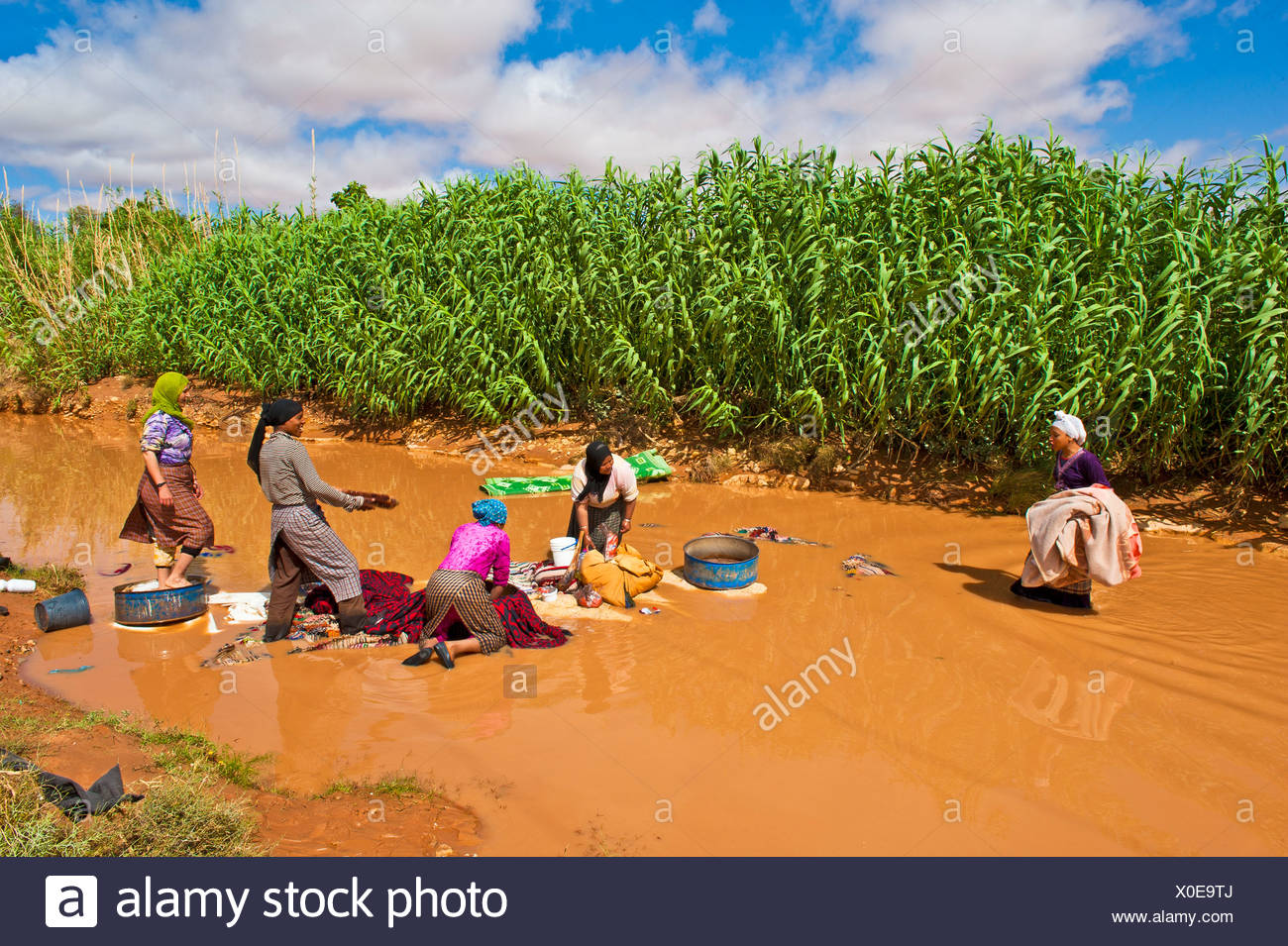 Doing Laundry In River Stock Photos & Doing Laundry In River Stock ...
