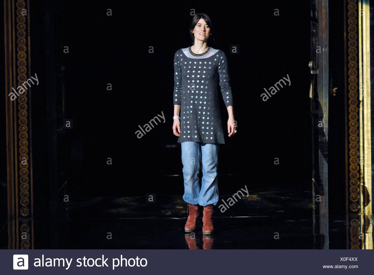 Biba London Ready To Wear Autumn Winter Fashion Designer Bella Freud Wearing Baggy Blue Jeans Long Grey Spotted Tunic Top Red Stock Photo Alamy