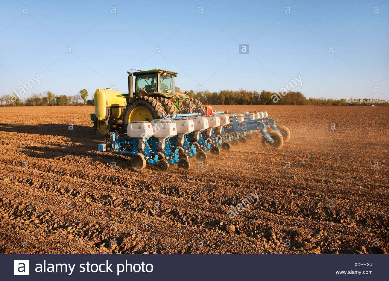 24 Row Planter Stock Photos 24 Row Planter Stock Images Alamy