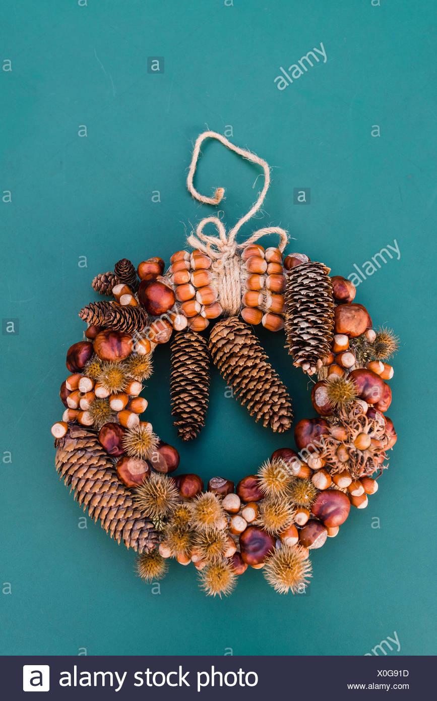 autumnal decoration, door wreath, natural materials, - Stock Image
