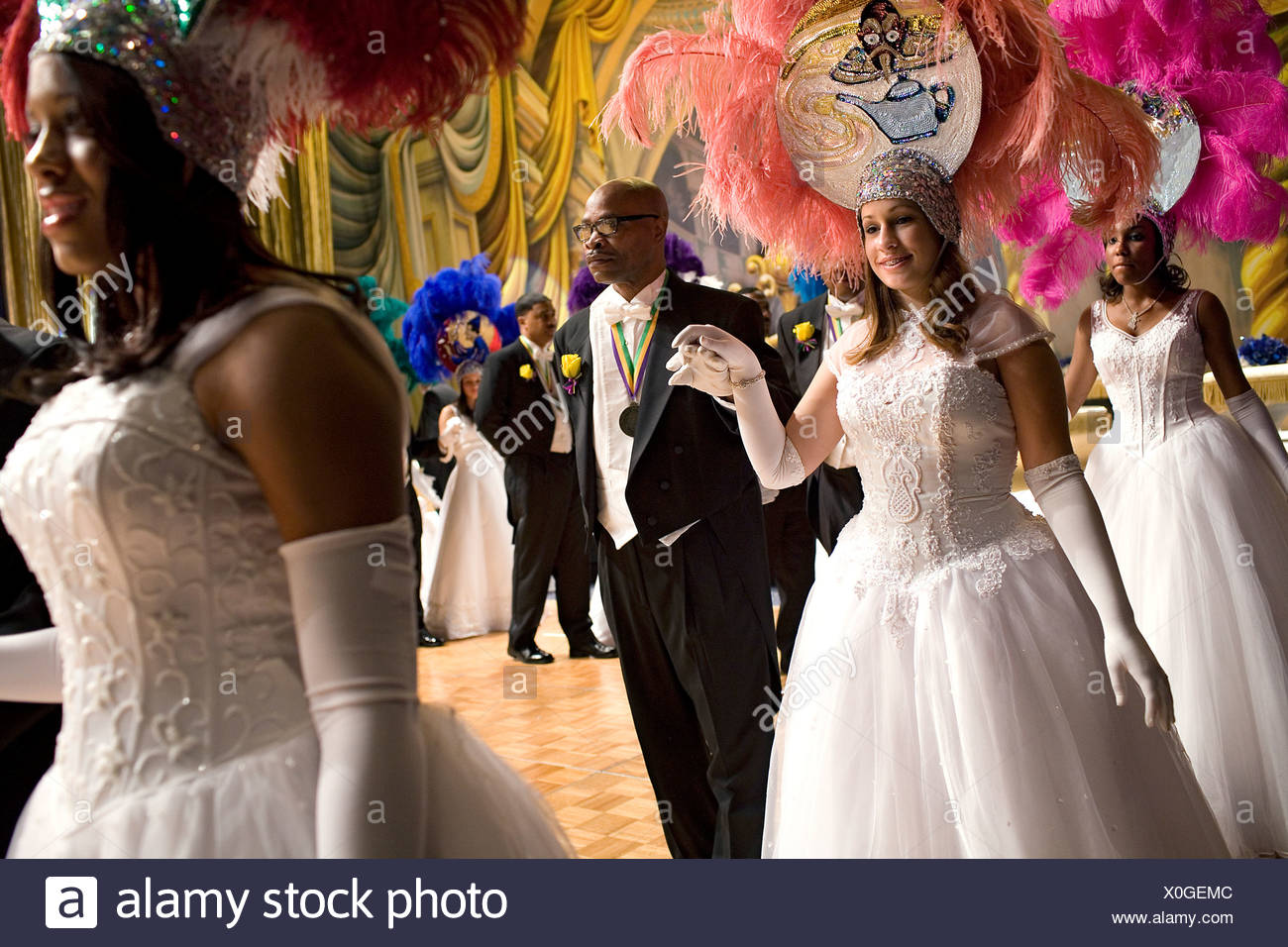 Ball Gowns Stock Photos & Ball Gowns Stock Images - Page 3 - Alamy