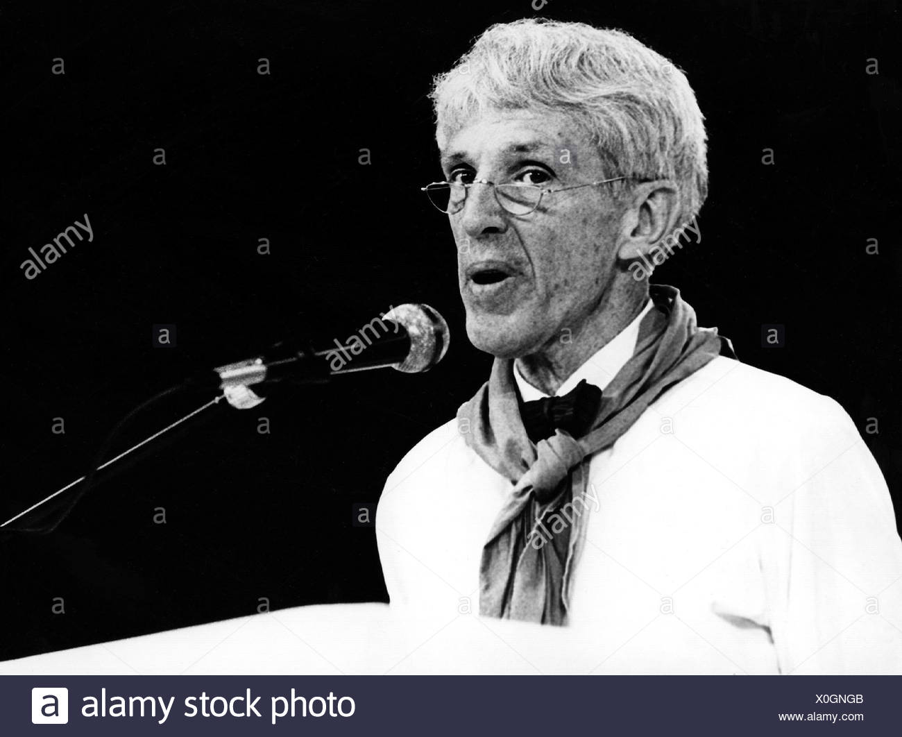 Hentig, Hartmut von, * 23.9.1925, German educationist, portrait, at the German Protestant Church Congress, Duesseldorf, Germany, 5. - 9.6.1985, Additional-Rights-Clearances-NA - Stock Image
