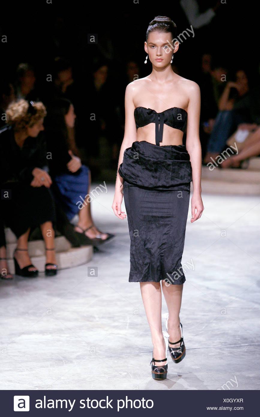 Prada Fashion Show – Spring / Summer 2011