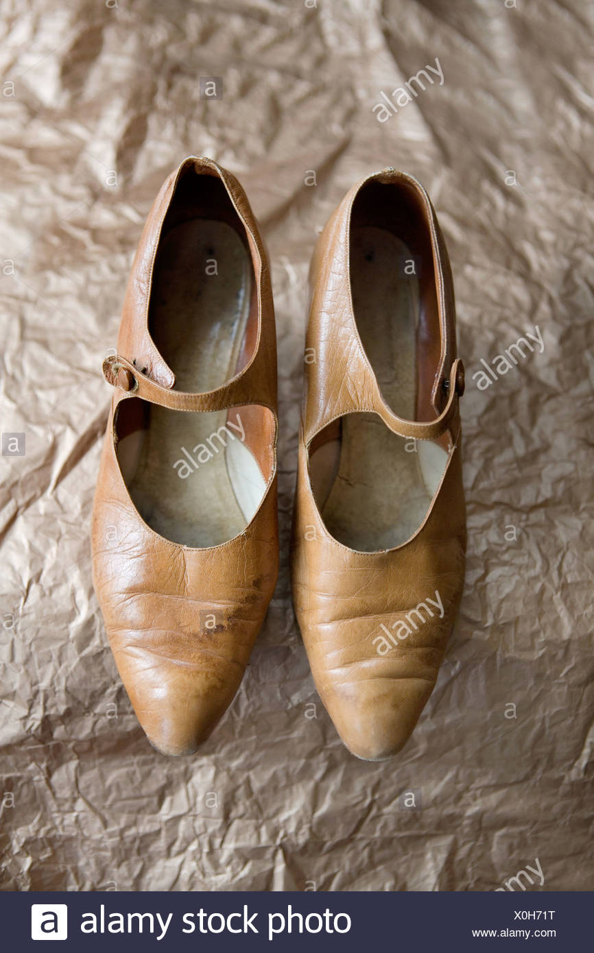 A pair of vintage brown leather shoes - Stock Image