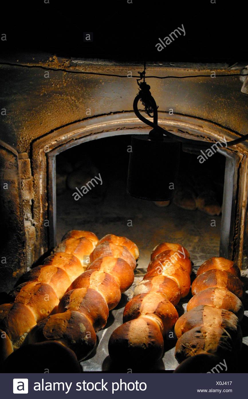 bread,stone oven - Stock Image
