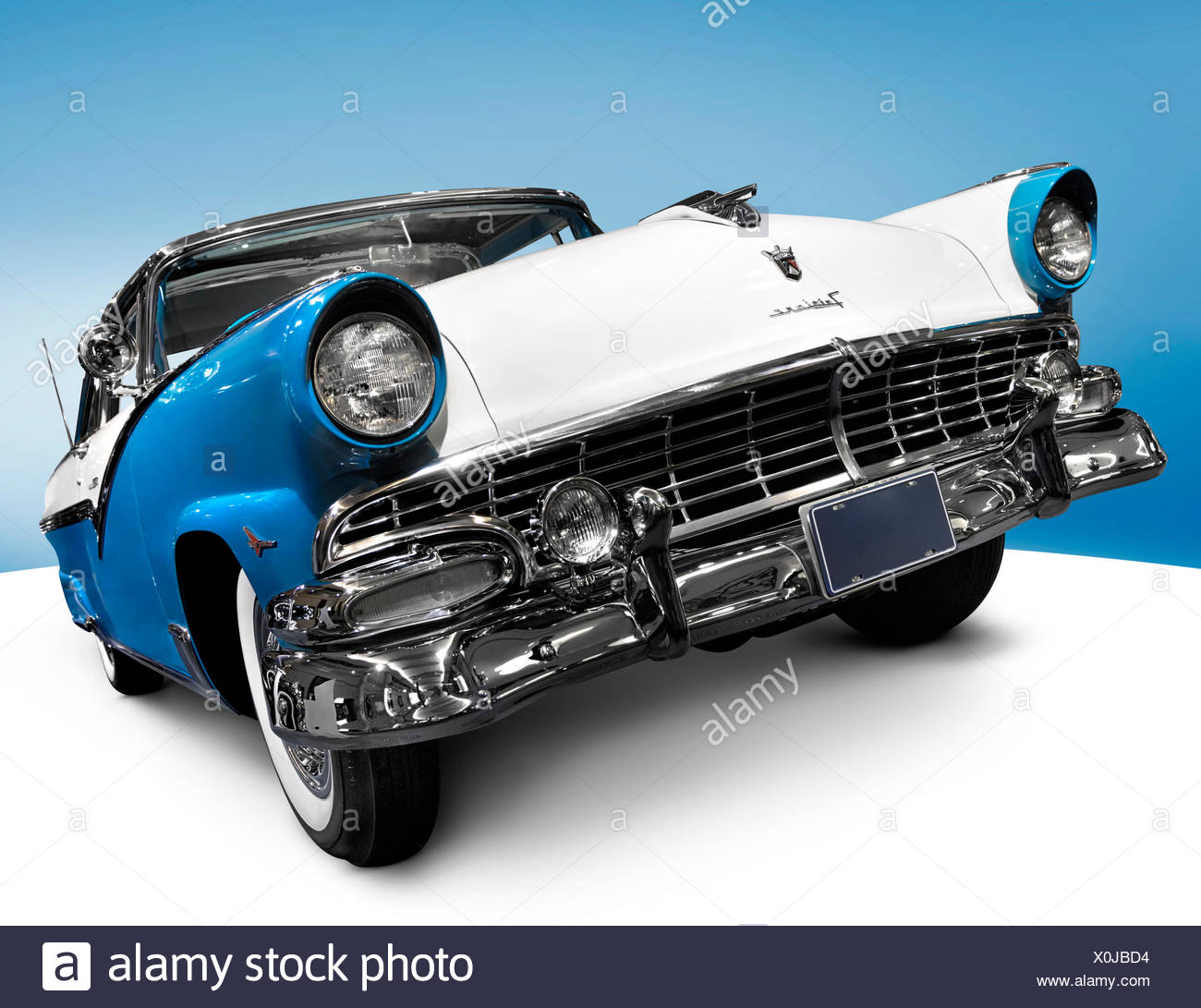 Automobile Victoria Classic Stock Photos 1953 Ford Crown Skyliner Turquoise Blue 1956 Glasstop Vicky Retro Car By Motor Company