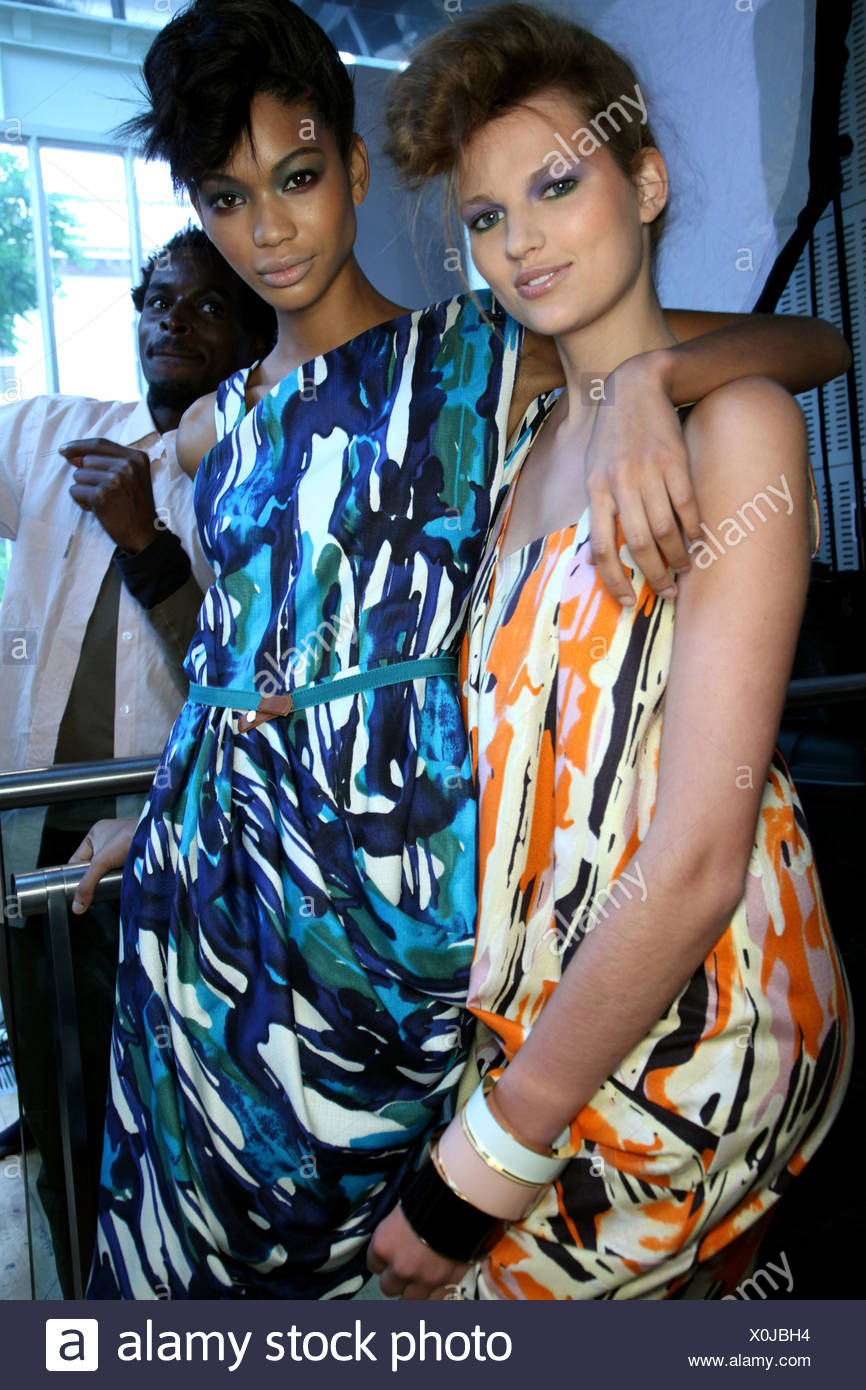 4c83ef934e9b Nicole Farhi Backstage London Ready to Wear Spring Summer A cream ...