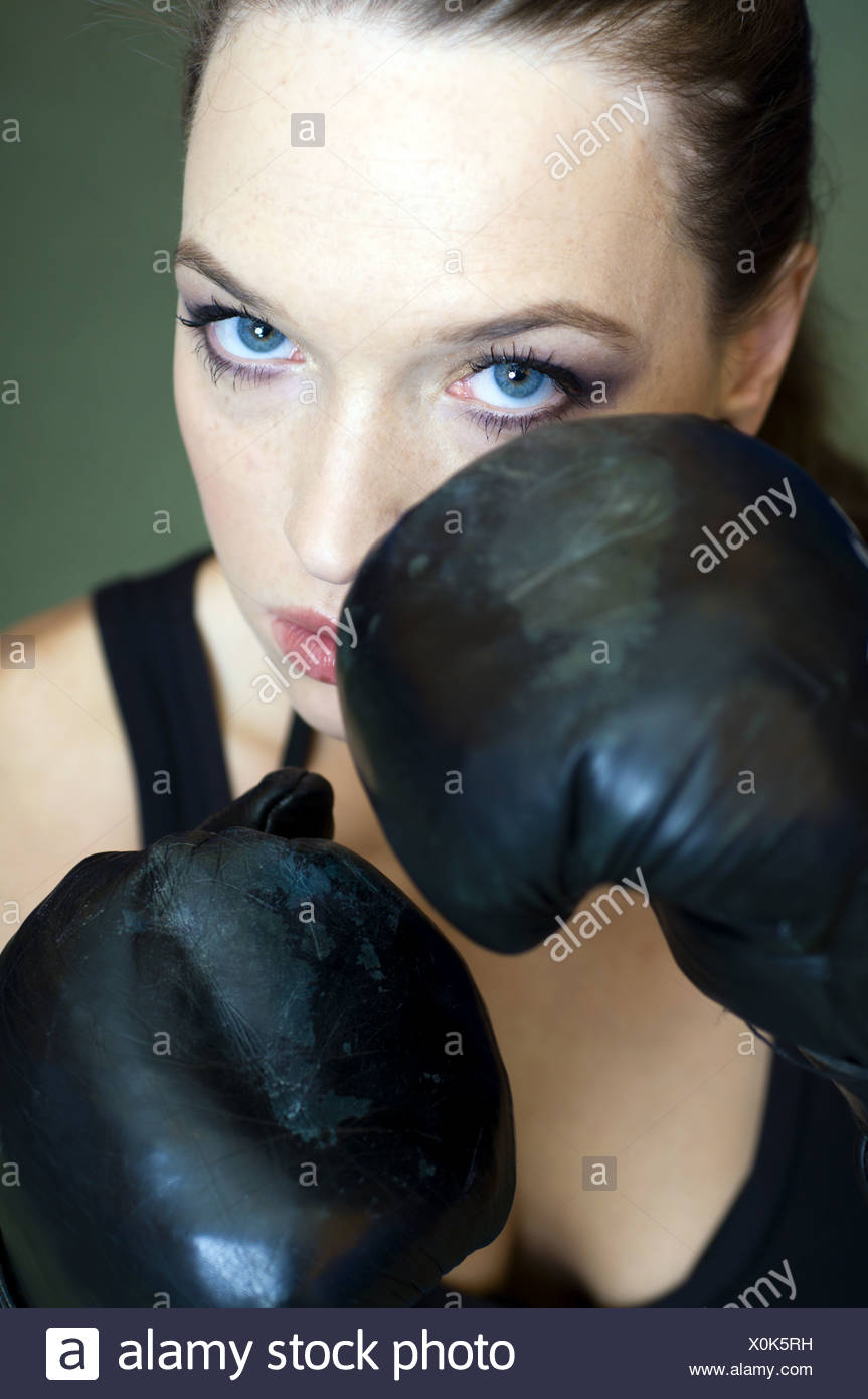 Boxing girl - Stock Image