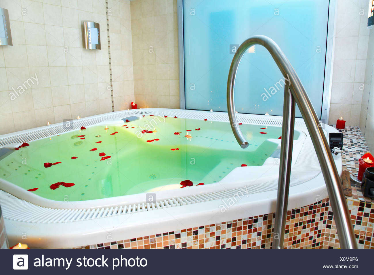 Public Hot Tub Stock Photos & Public Hot Tub Stock Images - Alamy