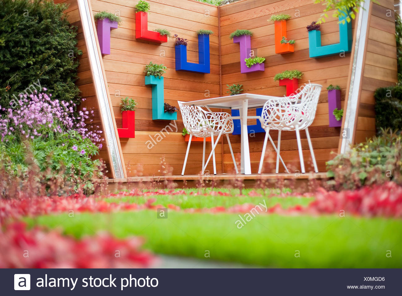 Chelsea Flower Show PSI Nursery Garden, Designer Jamie Dunstan at the Royal Horticultural Society Chelsea Flower Show in London Stock Photo