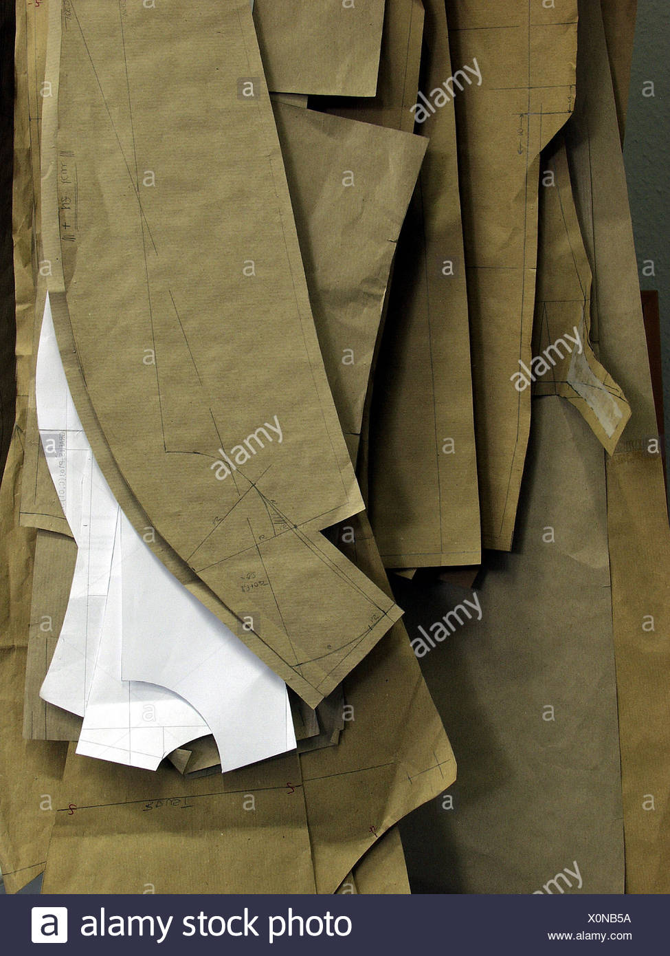 Tailoring, editing sample, detail, needlework, dimension tailoring, slices, samples, templates, tailor, sew, sewing, manual labour, precision work, to bespoke tailors, fashion, fashion design, creativity, Still life, product photography - Stock Image