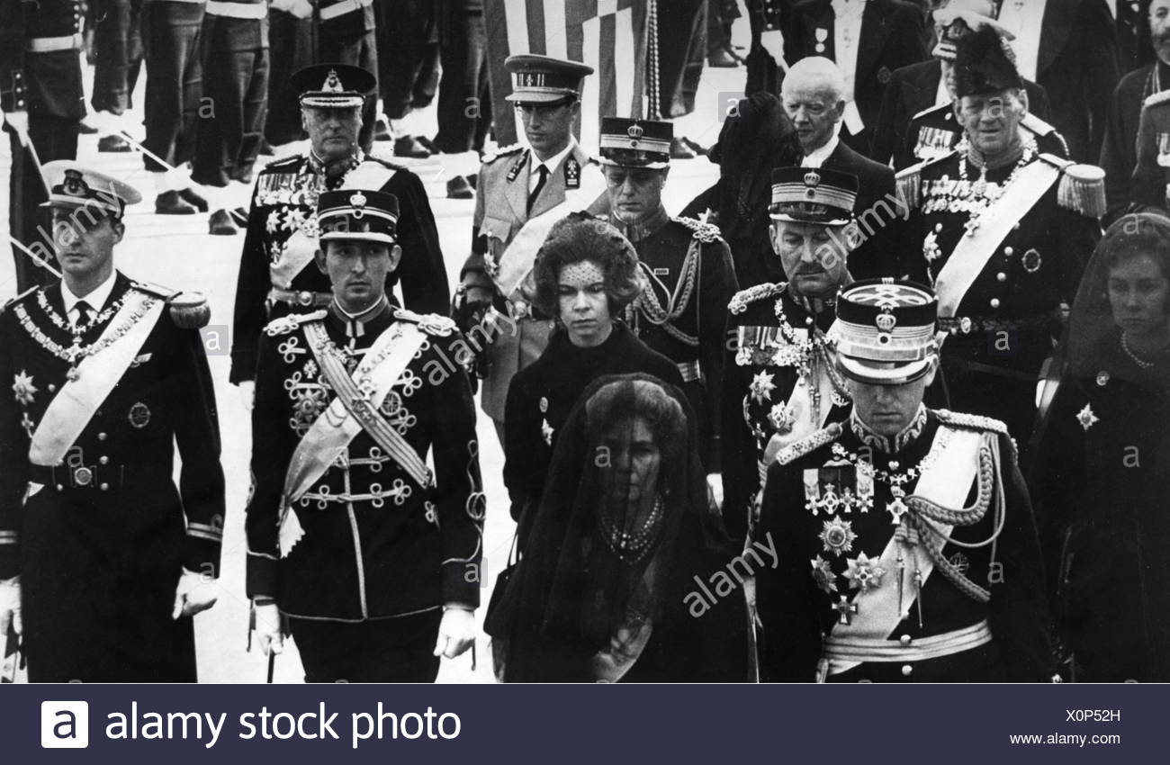 Paul I., 14.12.1901 - 6.3.1964, King of Greece 1.4.1947 - 6.3.1964, death, funeral procession, Athens 12.3.1964, widow Queen Fre - Stock Image