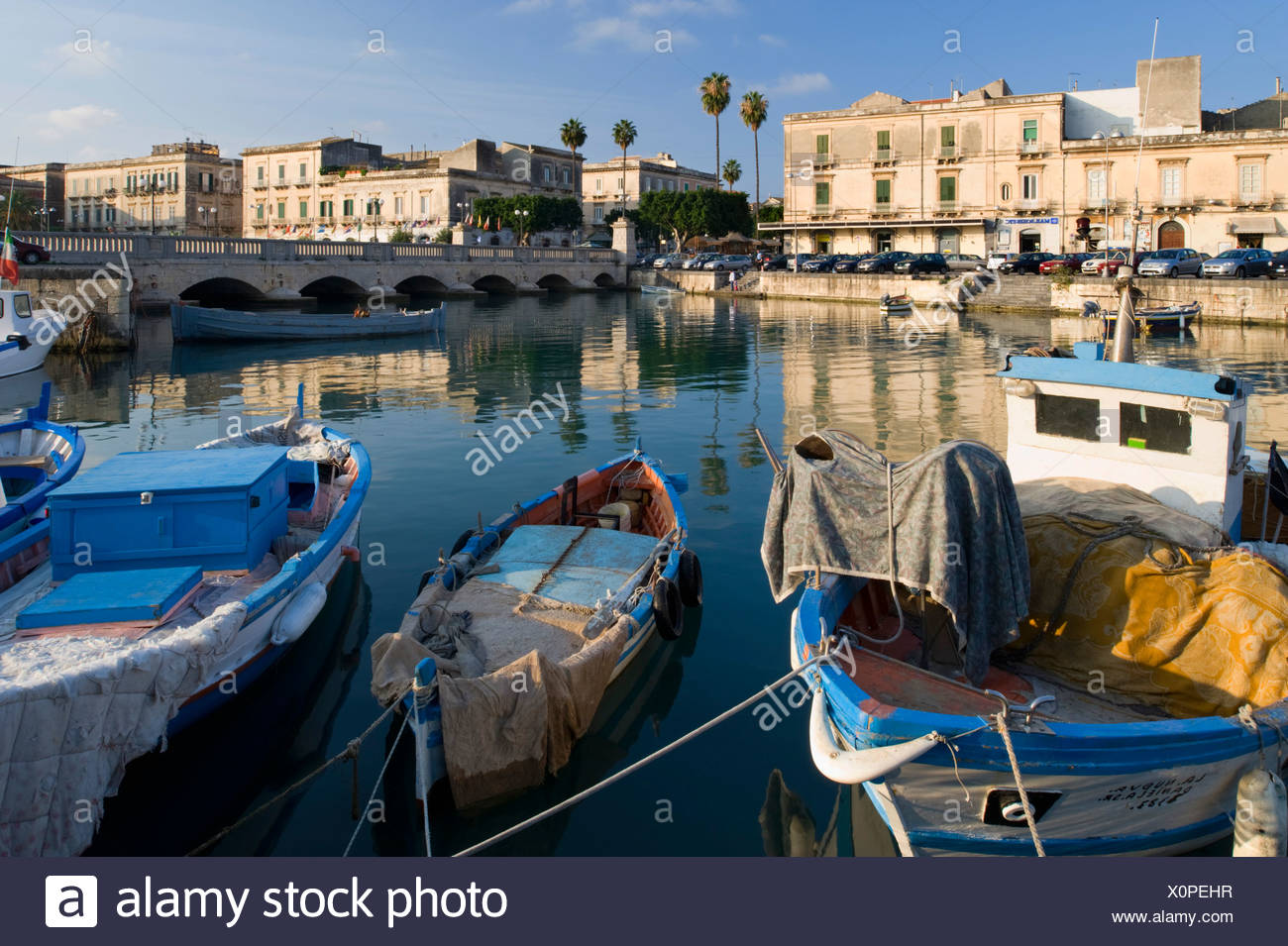 Ortigia island and Ponte Nuovo bridge, Syracuse, Sicily, Italy - Stock Image