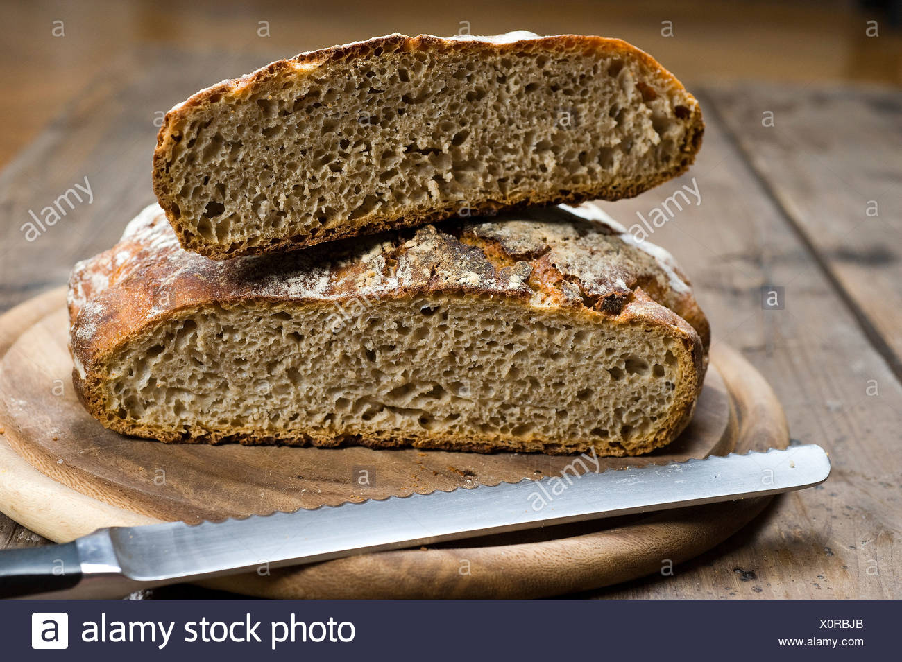 Cut sourdough bread, the dough does not need to be kneaded, No-Knead-Bread Stock Photo