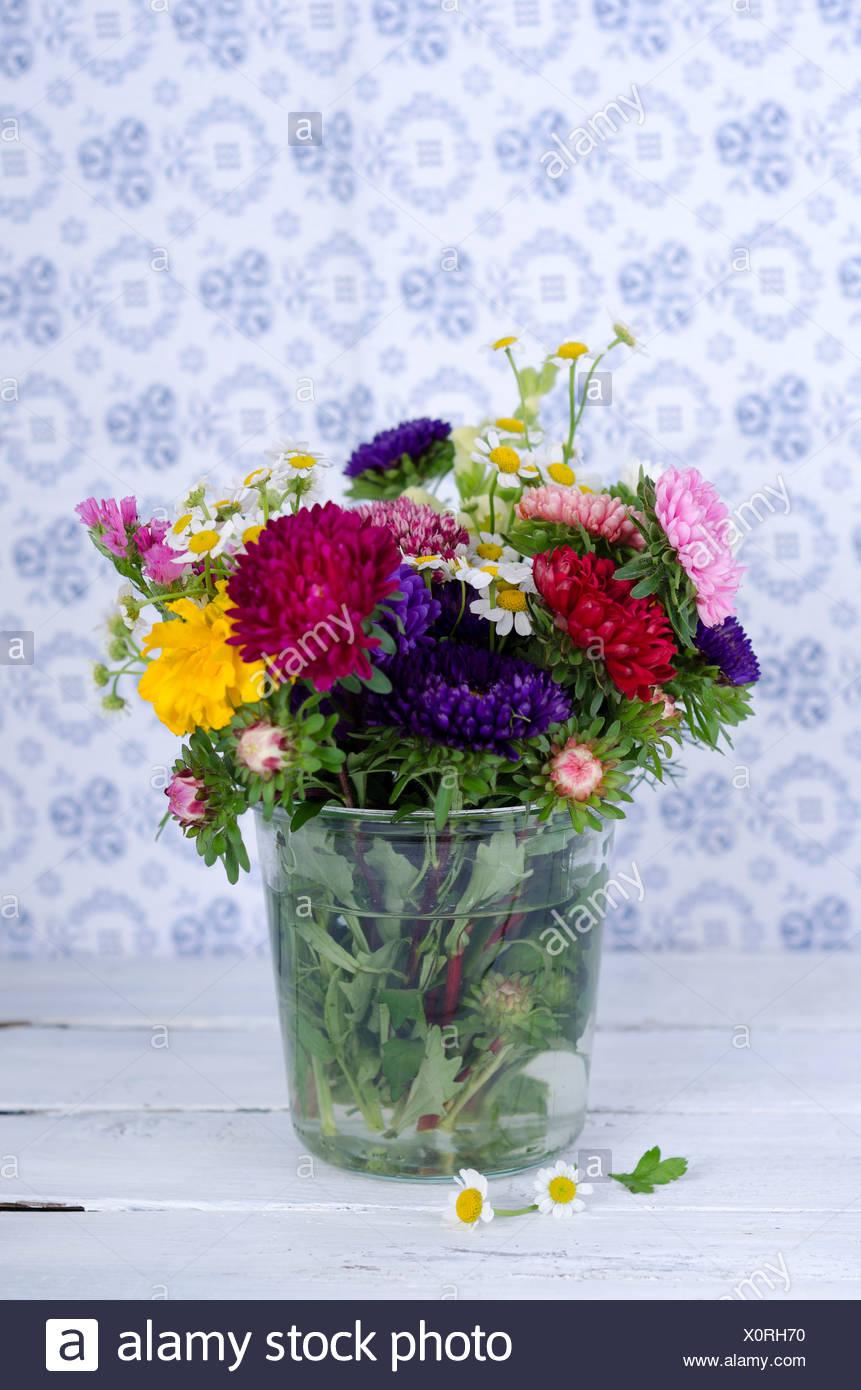 Everlasting flowers on wooden table stock photo 275884308 alamy everlasting flowers on wooden table izmirmasajfo