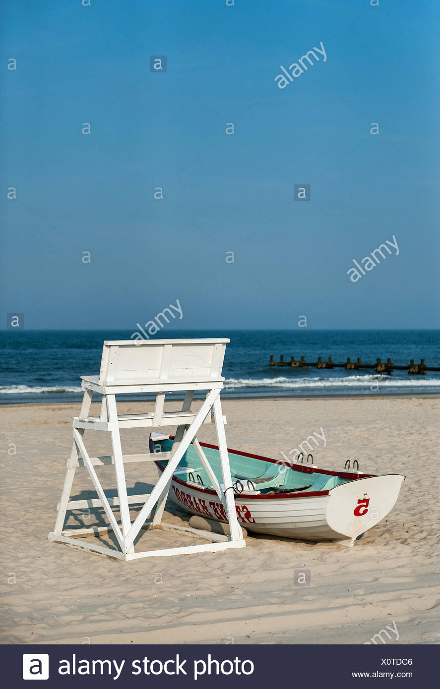 Lifegaurd stand and rescue boat on beach, Stone Harbor, New Jersey, USA - Stock Image