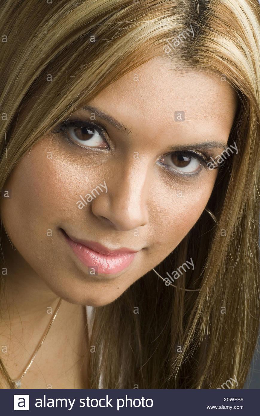 single latin women