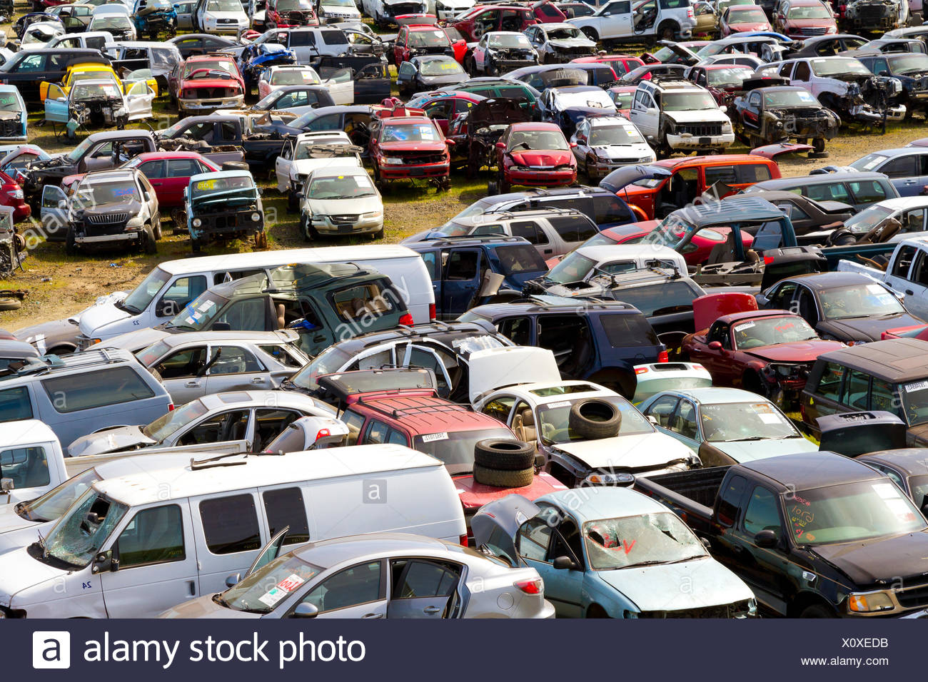 Auto Salvage Yard Junkyard Stock Photo: 275947991 - Alamy