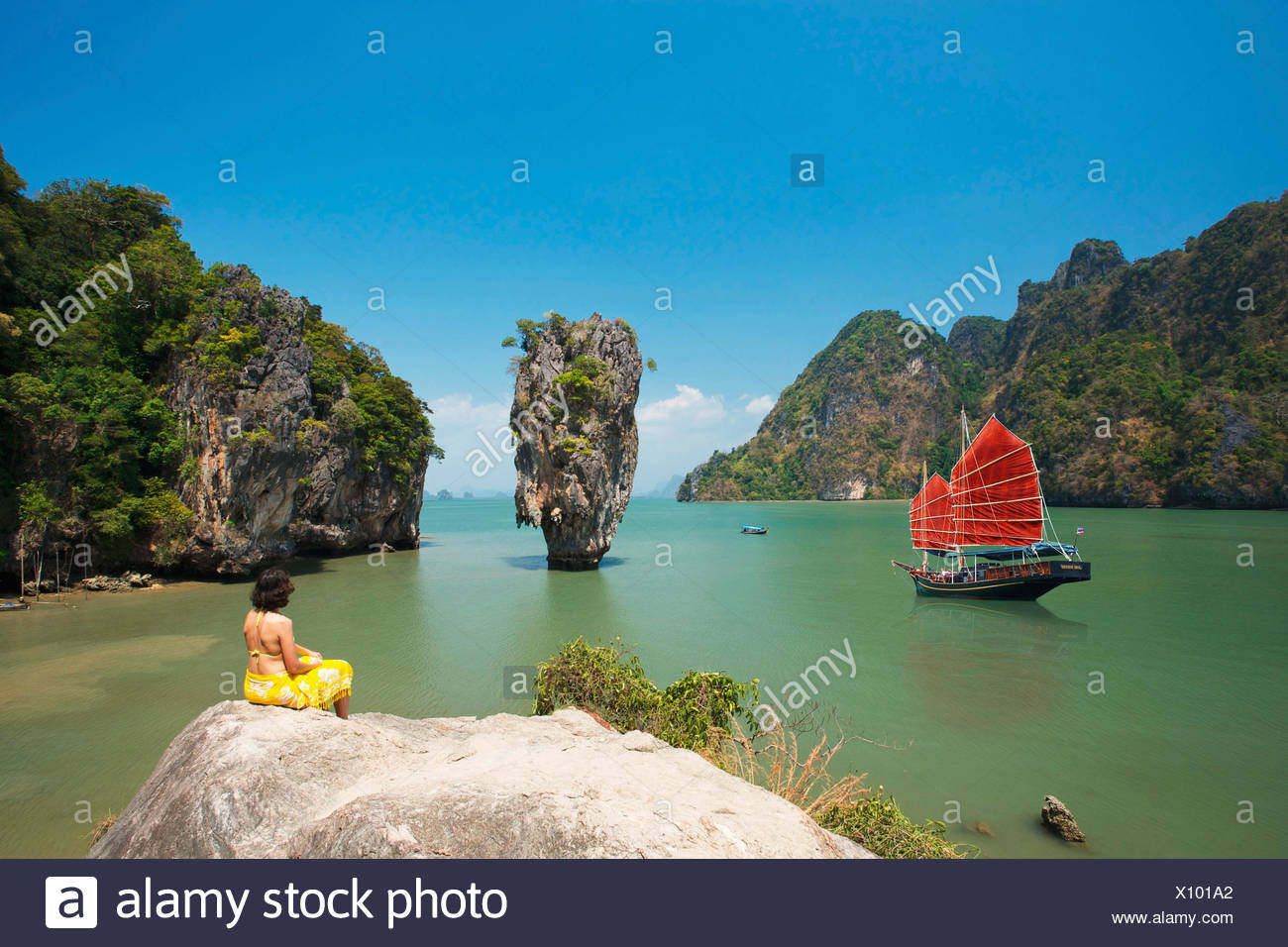 Junk in Phang Nga Bay, James Bond Island, Phuket, Thailand, Asia - Stock Image