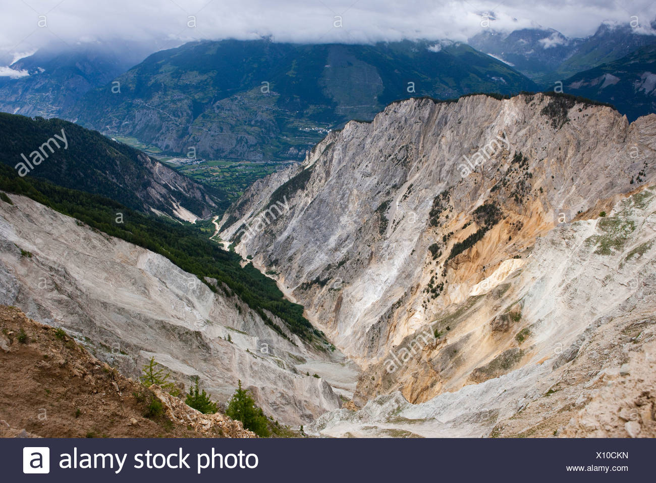 Ditch Ill, Rhone valley, cliff, rocks, cliffs, stone, mountains, gulch, canyon, canton, Valais, Switzerland, Europe, rubble wast - Stock Image