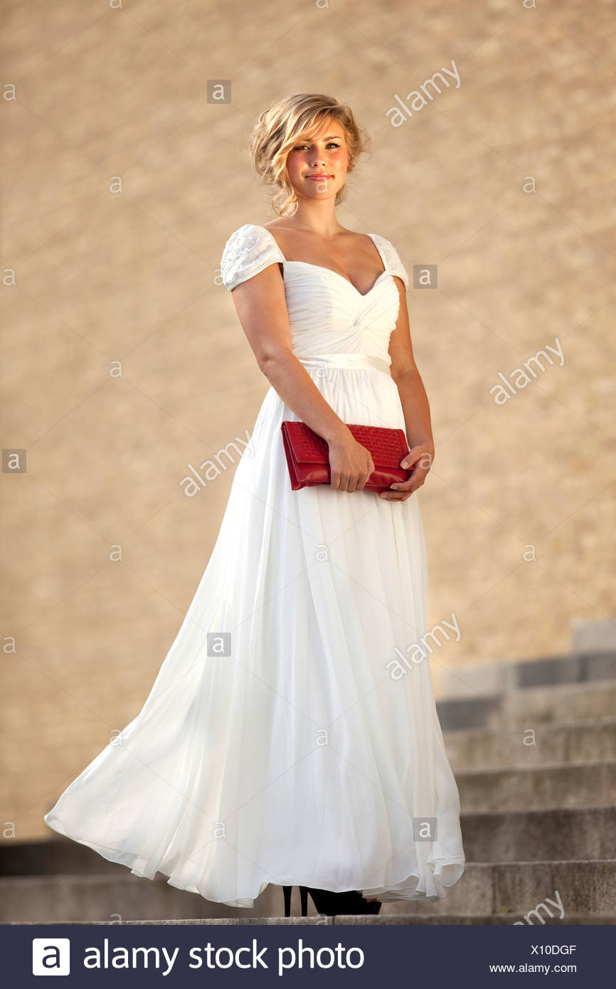 White Ball Gown Stock Photos & White Ball Gown Stock Images - Alamy