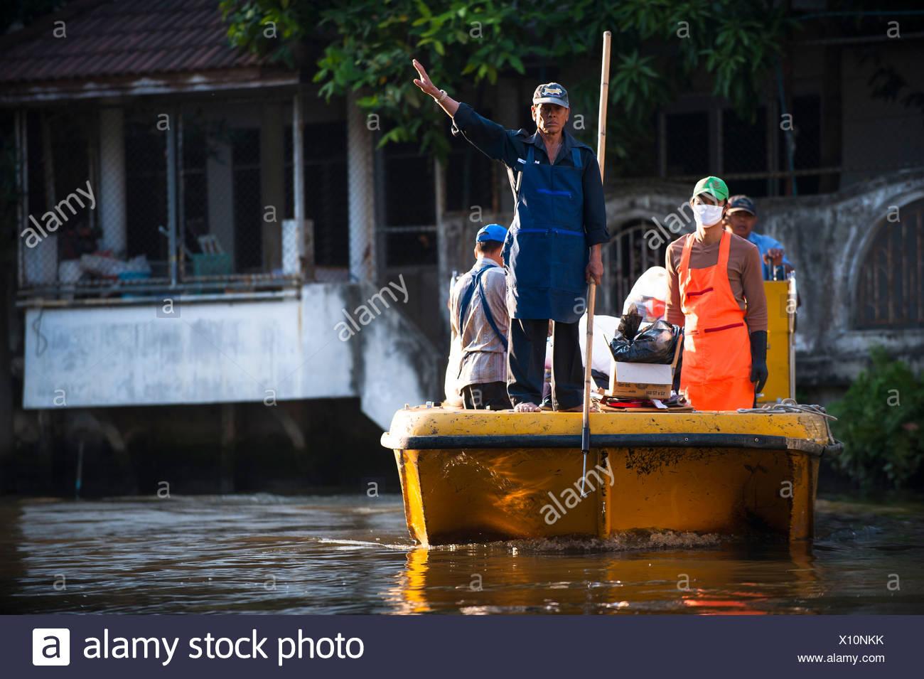 Rubbish collection, Khlong or Klong, canal, Bangkok, Thailand, Asia - Stock Image