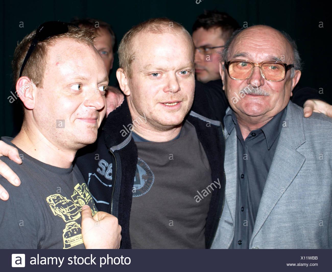 Josef Somr jako otec a David Novotny jako syn,Lubos Kostelny jako vnuk, film O rodicich a detech, ti - Stock Image