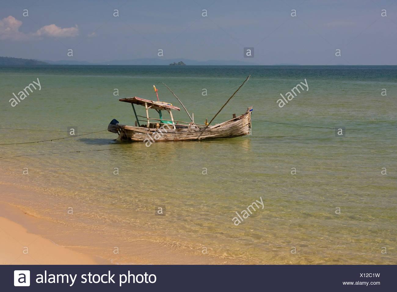 Asia, boat, fishing boat, island, isle, coast, coasts, sea, seas, seashore, seashores, nobody, Phu Quoc, South-East Asia, South - Stock Image