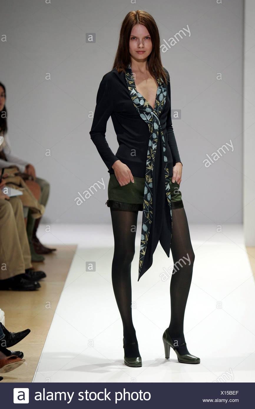 Opaque Tights Stock Photos & Opaque Tights Stock Images - Alamy
