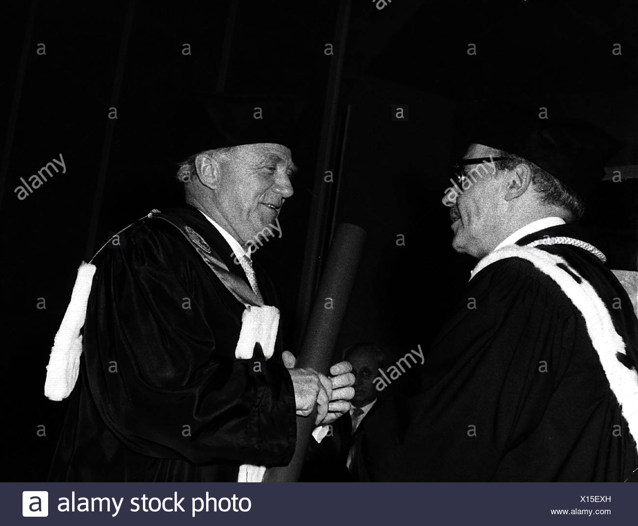 Heisenberg, Werner Karl, 5.12.1901 - 1.2.1976, German physicist, half length, with Walter de Keyser, 1970s, Additional-Rights-Clearances-NA - Stock Image