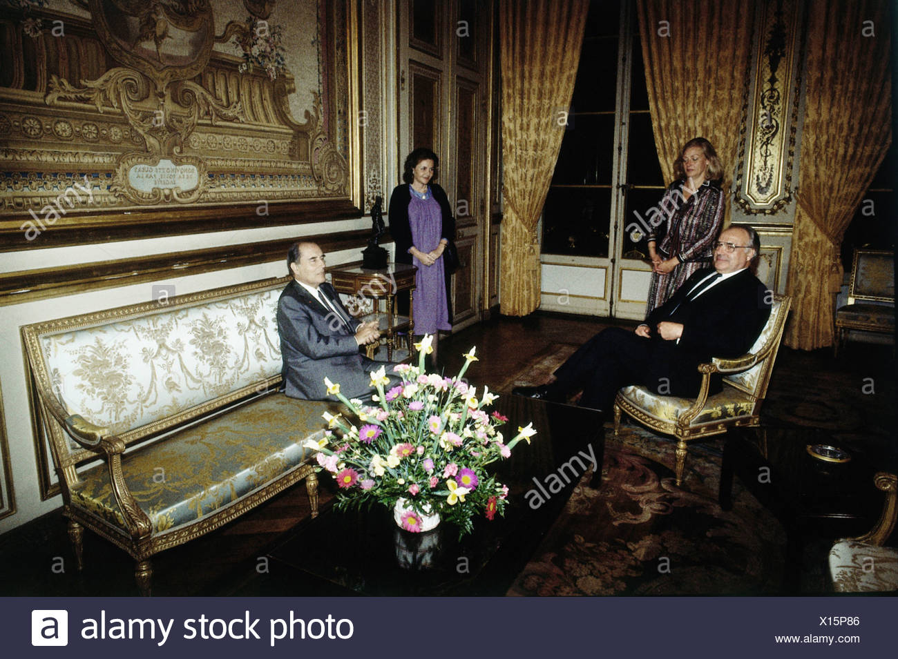 Kohl, Helmut, * 3.4.1930, German politician (CDU), chancellor of Germany 1982 - 1998, half length, with Francois Mitterrand, 1980s, Additional-Rights-Clearances-NA - Stock Image