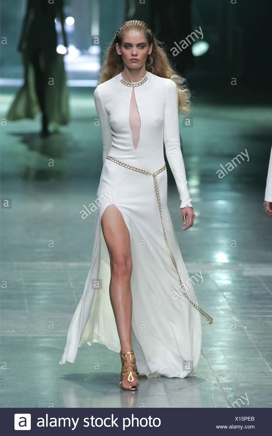 5ef3b2a3e3 Alexander McQueen Paris Ready to Wear S S Model Heidi Whiworth very long  blond wavy hair slicked
